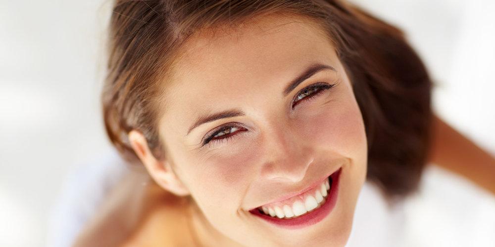 Prirodno izbijelite zube kod kuće